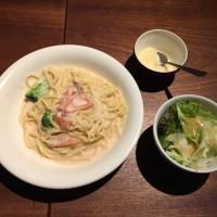 サーモンとブロッコリーの明太クリーム(もちもち中太麺使用)