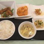 6月の一品:豚肉ロース肉の香り揚げオイスターソース+A.海老のチリソース +小菜・ご飯・スープ・香の物