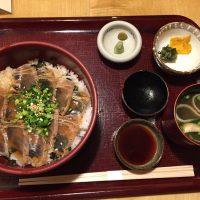 炙り漬け鮪(まぐろ)丼