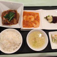 11月の一品:鶏毛羽と大根の醤油煮込み+A.海老のチリソース +小菜・ご飯・スープ・香の物