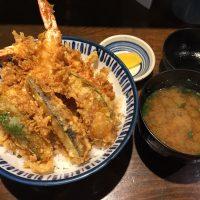 特製天丼 天丼(海老天2つ、鱚天1つ、野菜天3種)、味噌汁、香の物